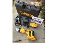 DeWALT Cordless Swivel Head Metal Shear