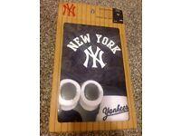 Brand new 3 pc Yankee set