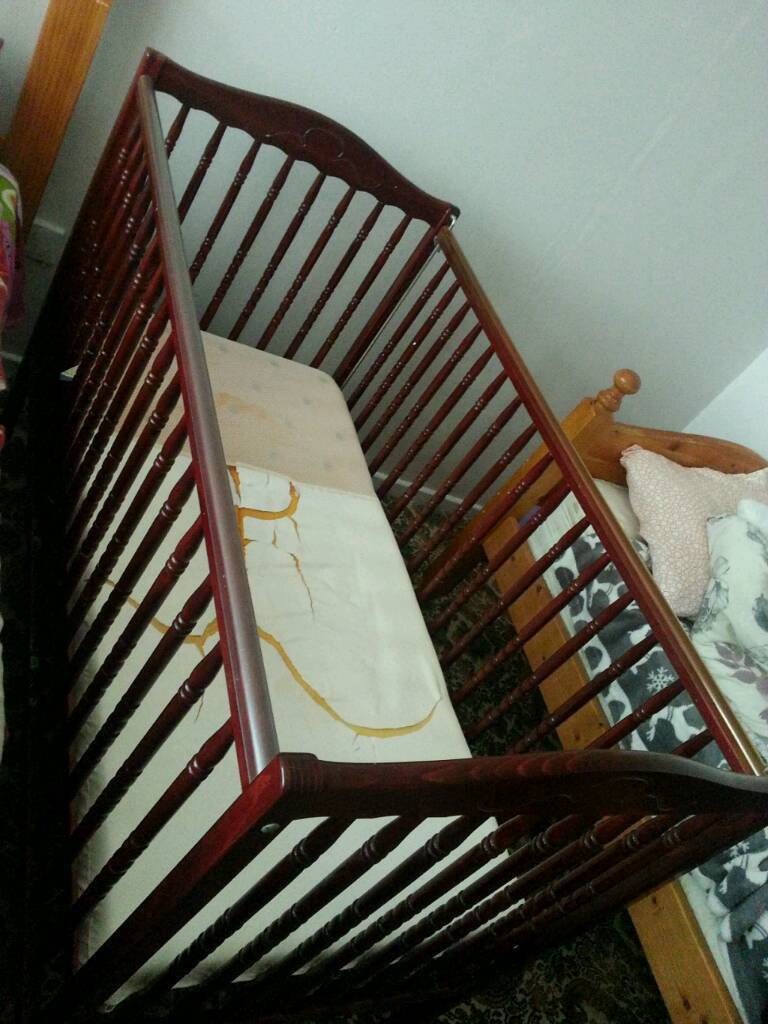Cot for baby or toddler £35