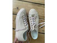 Size 6 pink leather converse