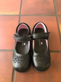 Girl's school shoes size 11