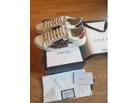 Gucci classic Womens Ace Snake Beads Embroidery sneakers (White)