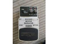 Behringer Noise Reducer - Cheap Noise Gate or Mute Pedal