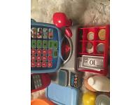 Fruits/vegetables and cashier