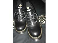Dr Martin salom ladies shoe