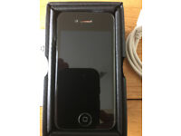 iPhone 4s 16GB Unlocked to all networks (sim free) in black, mint condition, original accessories