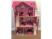 Kidkraft Barbie sized dolls house