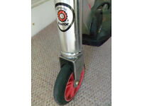 Authentic Razor rift kick scooter - rear wheel swivels