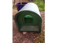 Cat Igloo Garden Kennel Bed Weatherproof
