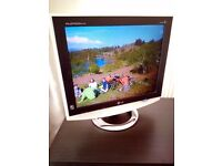 "LG Flatron M1710A 17"" LCD Monitor with accessories"