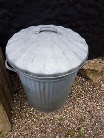 Galvanised Dustbin & Lid 90 litre