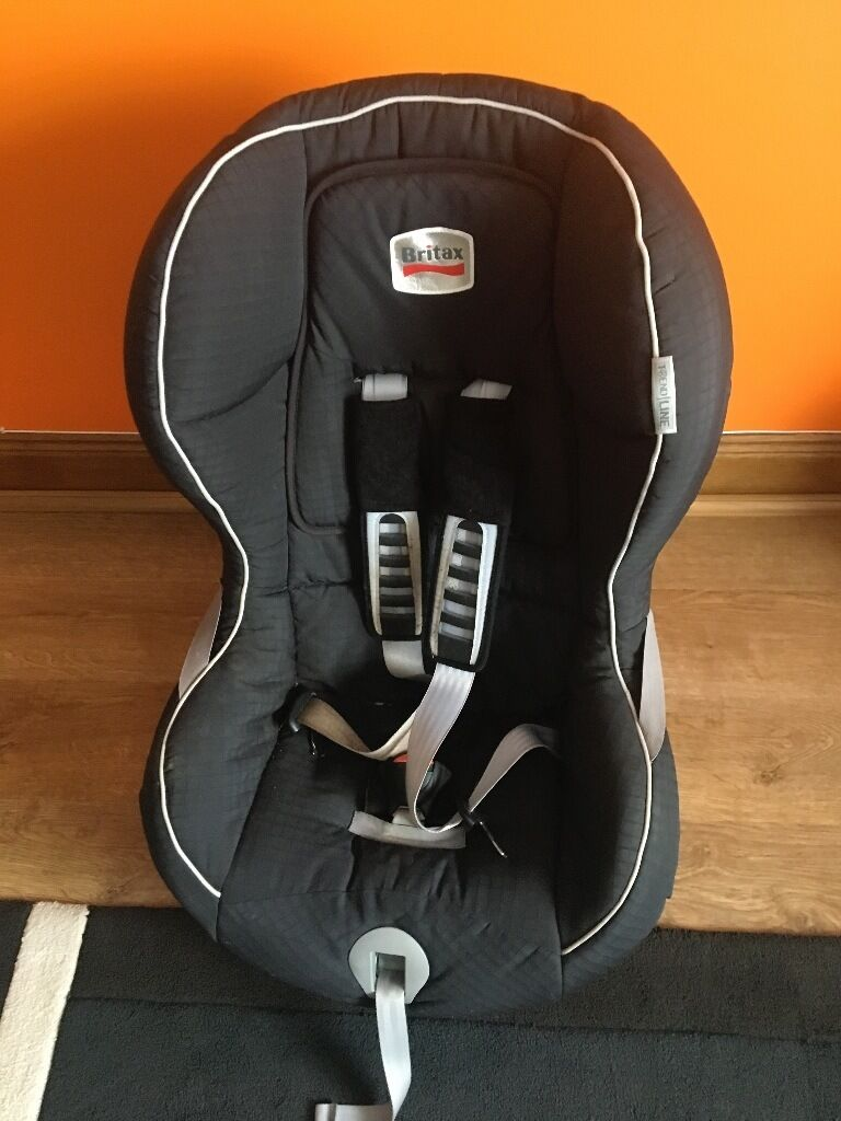 Britax Römer King TS Plus Car Seat Felixin Cardenden, FifeGumtree - Features and benefits for Britax Römer King TS Plus Car Seat Felix Seat belt tensioning system for a secure fit Seating area tilts forward for easy installation 5 point safety harness with one pull adjustment Side Impact Protection with deep, softly...