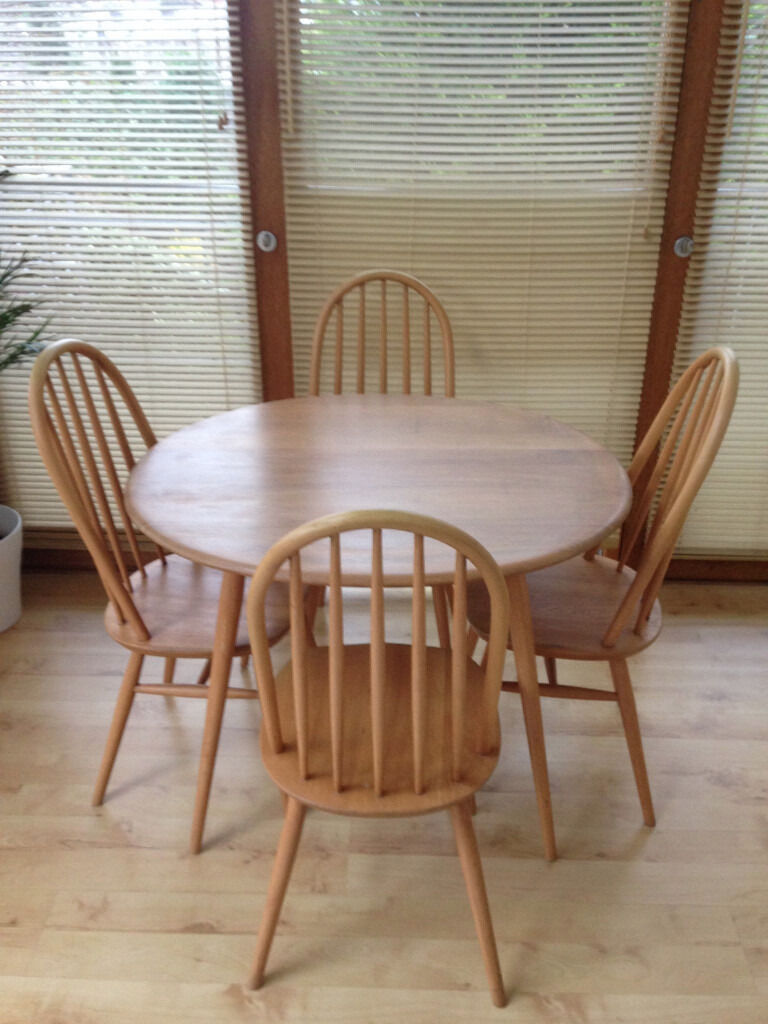Ercol Vintage Oval Dining Table And X4 Ercol Style Dining