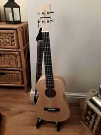 Baritone ukulele GCEA