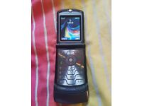 Motorola RAZR V3i mobile phone - unlocked