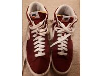 Nike lace up boots size 9 VGC