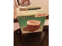 Foot warmer foot massager and warm blanket for sale never used boxed ready for collection