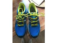 Salamon trainers / running shoes