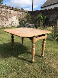 Vintage folding leaf table