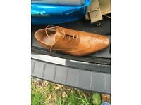 Men's tan brogues shoes bnib size 8