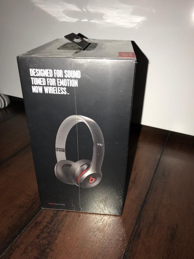 Brand new solo beats 2 unopened still in box