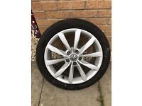 Volkswagen Golf 17 inch alloy wheel