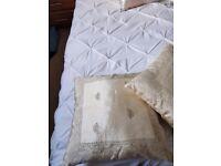 Cream/gold cushions