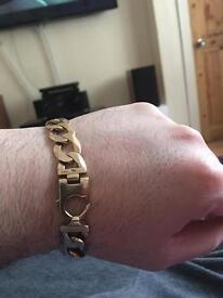 9ct gold solid curb bracelet 45 grams heavy !! Swap ???