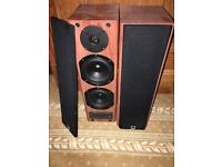 2 Class D Speakers perfect condition 280W