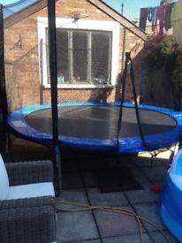 10 ft enclosure trampoline