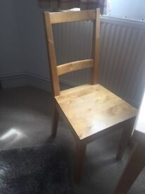 Extendable table with four chairs! £30 collection