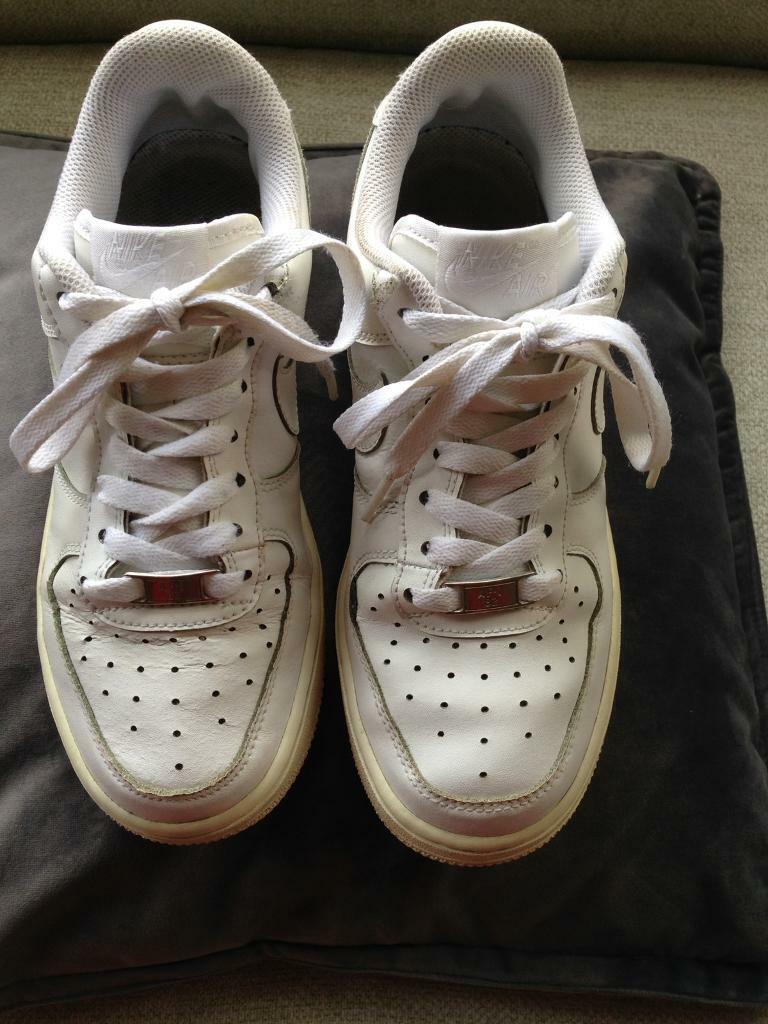 2ba15bdf6d4f Nike AF1 size U.K. 5