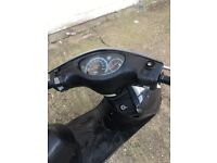 Yamaha XC 125 cc E VITY for sale and free bluetooth helmet n pair of gloves