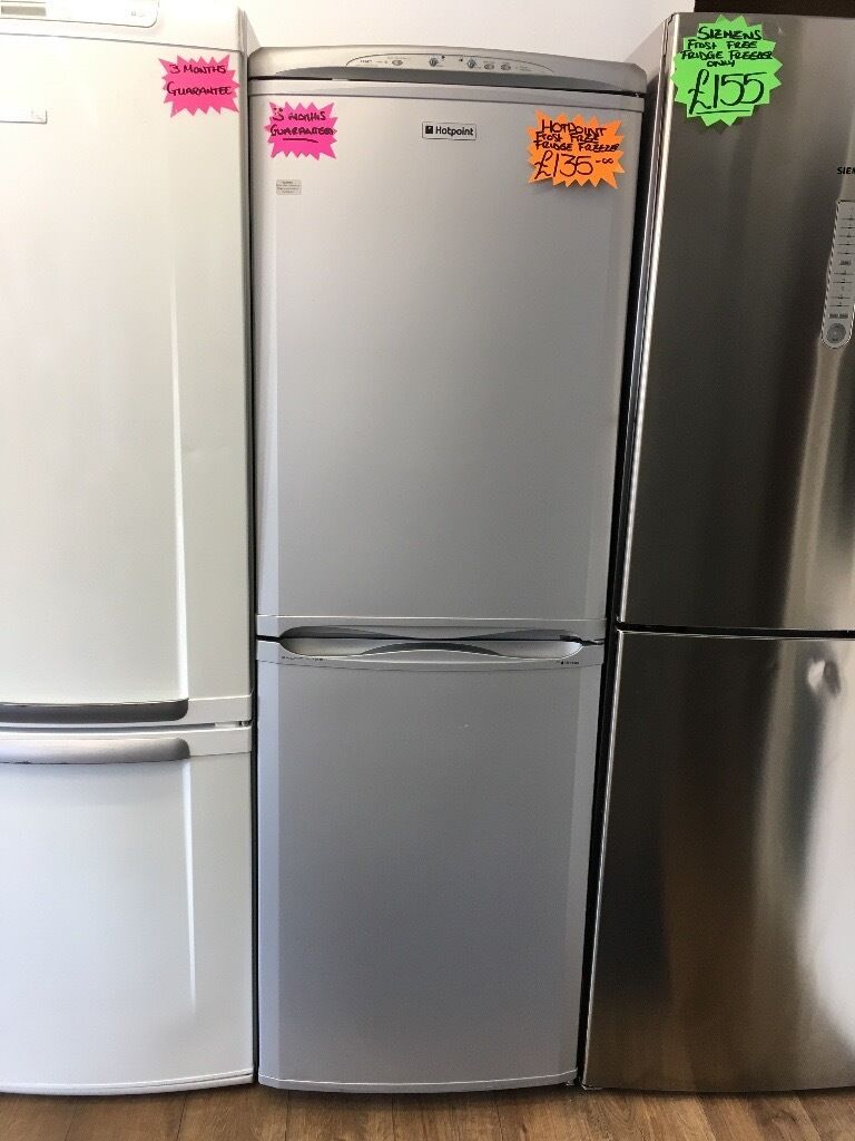 HOTPOINT FROST FREE FRIDGE FREEZER IN LIGHT SILIVER