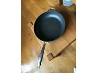 LARGE NON-STICK FRYING PAN