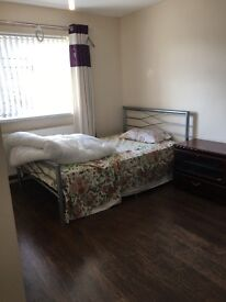 Double Room available for Rent near city centre