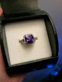 Warren James purple halo ring
