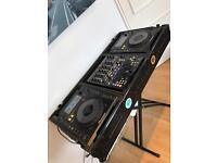 Pioneer CDJ 900 nexus + Behringer mixer + TIP flight case + stand