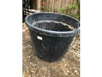 Very large (90 litre) plant pot