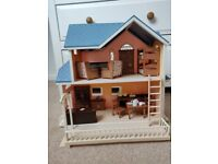 Sylvanian Families Maple Town Bansai Post Office With Furniture