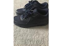 Nike air trainers (navy blue)