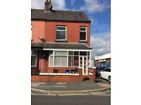 Immaculate 1-bed flat reddish