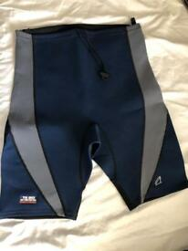 MAGIC MARINE WETSUIT SHORTS LARGE unworn ex display