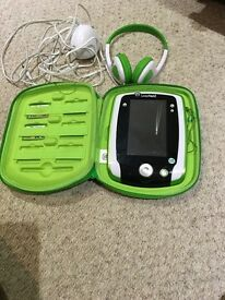 Leapfrog leap pad 2 excellent condition with headphones,2 games and hard case