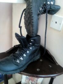 work boots size10 black leather gelert