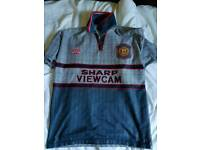 Manchester United shirt Medium