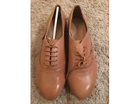 Brand new tan leather size 6 brogue shoes
