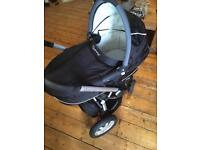 QUINNY BUZZ BUNDLE INC BUGGY BOARD, CARRYCOT AND MORE