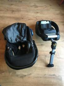 Maxi cost car seat, foot muff and base