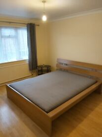VERY NICE DOUBLE ROOM IN A PEACEFUL NON-THROUGH RD FURNISHED